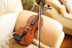 家庭小提琴 免版税库存照片