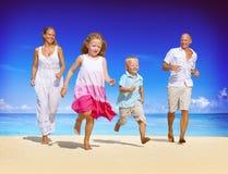 家庭度假假日休闲夏天旅行概念 免版税库存图片