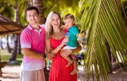 家庭度假在热带 库存照片