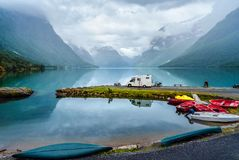 家庭度假旅行RV,在motorhome的假日旅行 免版税图库摄影