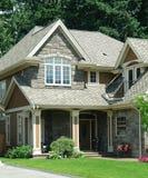 家庭房子新的屋顶震动 库存照片