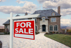 家庭房子新的销售额符号 图库摄影