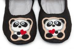 家庭拖鞋 熊猫图象 库存图片