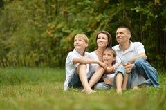 家庭有野餐 免版税库存照片