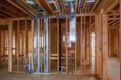 家庭构筑的未完成的木构成建筑或房子 图库摄影