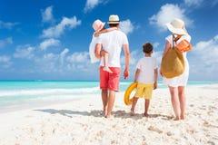 家庭海滩假期 免版税库存图片