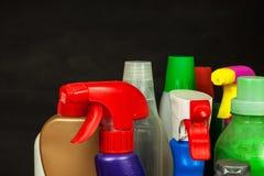 家庭清洁剂 洗涤剂 化学制品销售  清洗在房子里 库存照片