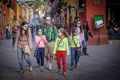 家庭,死者的天,墨西哥 免版税图库摄影