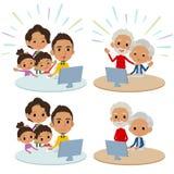 家庭3世代互联网通信black_Remote 库存图片