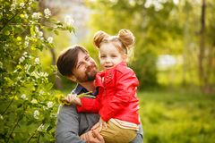 家庭 父亲和女儿 库存图片
