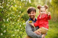 家庭 父亲和女儿 免版税库存图片