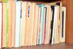 家庭librau 充分架子书 免版税库存照片