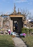 家毁坏与前门身分 免版税库存照片