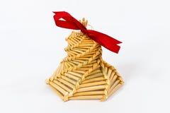 家由秸杆做了圣诞节装饰 免版税库存图片
