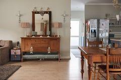 家的用餐和生活范围的内部 库存照片