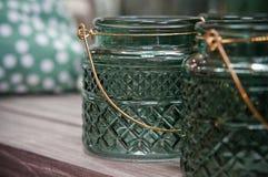 家的装饰绿色玻璃瓶子 图库摄影