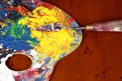 画家的调色板和刀子 库存图片