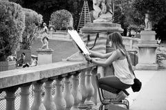 画家艺术家在卢森堡庭院里 库存图片