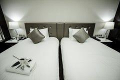 家&旅馆卧室内部 库存图片