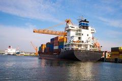 容器格但斯克波兰端口船 免版税库存照片