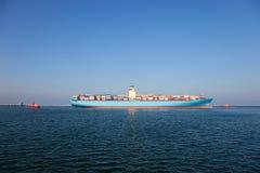 容器格但斯克留下波兰端口船 免版税库存图片