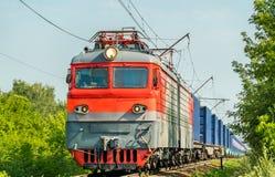 容器火车在俄罗斯 库存图片