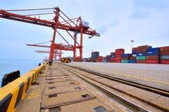容器船坞在厦门,福建,中国 免版税库存图片