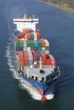 容器被装载的船 免版税图库摄影