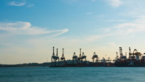 容器/桥式起重机timelapse在新加坡口岸/造船厂- 4k 影视素材