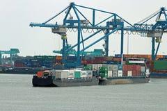 容器货物货物船鹿特丹 免版税库存照片