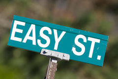 容易的符号街道 免版税库存图片