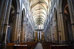 宽容大教堂的美好的内部在维埃纳,法国 库存图片