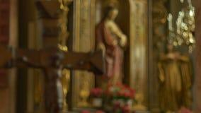 宽容耶稣雕象和耶稣受难象 股票视频