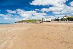宽广的避风港海滩威尔士 免版税库存图片