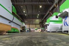 宽技术旅行 金属工艺机器的生产的商店工厂 免版税库存照片