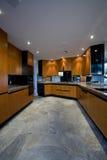 宽敞厨房在议院里 图库摄影