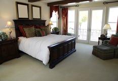 宽敞的卧室 库存图片