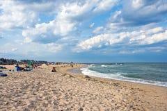 宽敞的海滩视图 免版税库存照片