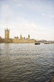宽泰晤士河的视图 库存照片