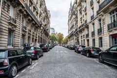 巴黎宽街道 免版税库存照片