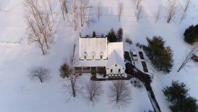 宾夕法尼亚州人农厂房子大角度看法在冬天 股票录像