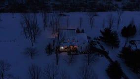 宾夕法尼亚州人农厂房子大角度跨线桥在冬天 股票视频