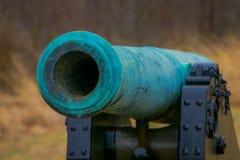 宾夕法尼亚,美国, 2018年4月, 18日:关闭拿破仑,位于公墓公园的12 lb绿松石大炮  免版税库存图片