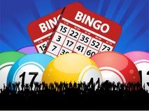 宾果游戏球卡片和人群在蓝色背景 免版税库存图片