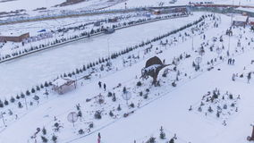 寄生虫视图冬天有动物雕塑的娱乐公园 影视素材
