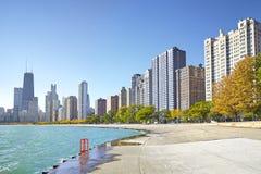 密执安湖边平地足迹清早视图在芝加哥 免版税库存照片