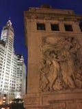 密歇根大街桥梁和箭牌大厦,芝加哥 免版税库存图片