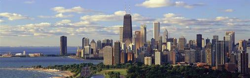 密歇根湖和林肯公园,芝加哥, IL全景  库存照片