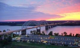 密西西比河和太阳集合 库存照片