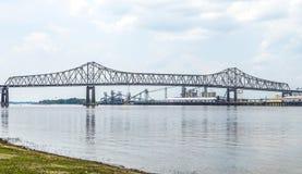 密西西比河桥梁在巴吞鲁日 库存照片